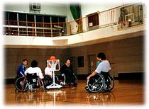 写真 車椅子ツインバスケットボール